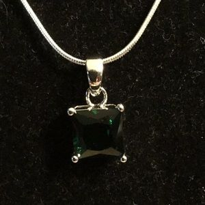 """STAMPED 925 SILVER/EMERALD PENDANT 20"""" SNAKE CHAIN"""